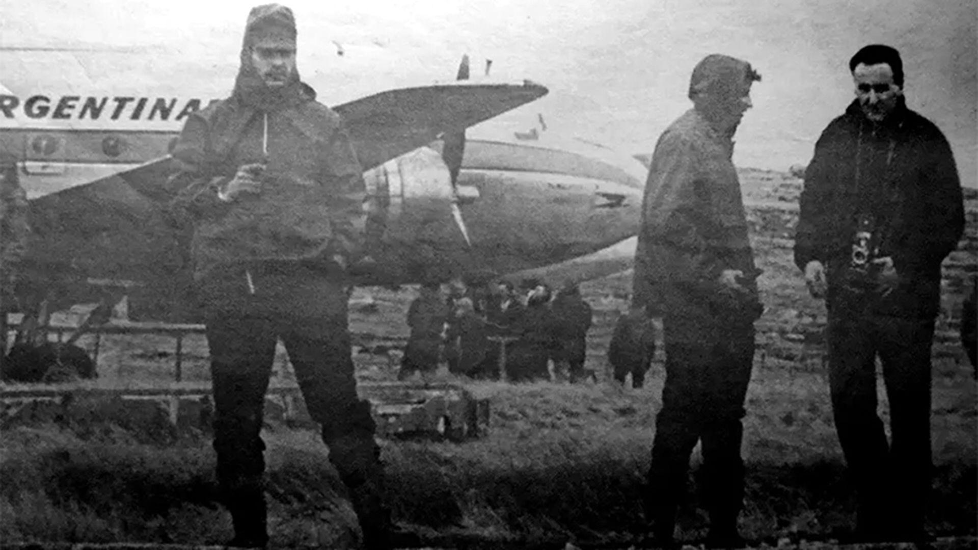 Operativo Cóndor, la primicia que hizo historia: el día que el director de  Crónica viajó en un avión que fue secuestrado a Malvinas – NUEVA FRONTERA