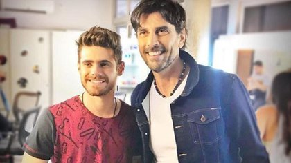 Gastón Soffritti con Juan Darthés en Simona