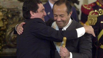 El ex presidente Adolfo Rodríguez Saá anuncia en diciembre de 2001 que Argentina suspendería sus pagos a la deuda externa