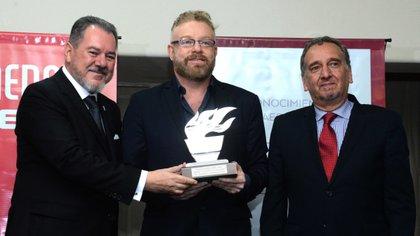 Gabriel Rabinovich junto a Mario Montoto, presidente de Taeda, y Lino Barañao, ministro de Ciencia, Tecnología y Innovación Productiva de la Nación. Foto: Fernando Calzada.