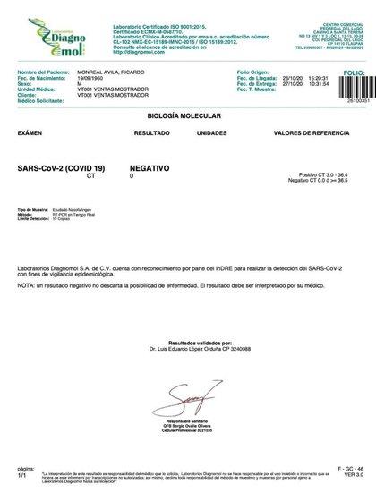 Monreal mostró los resultados de su prueba, que junto a otros 22 senadores dio negativa (Foto: Twitter @RicardoMonrealA)