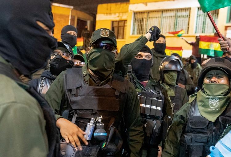 Los policías se amotinaron en varias ciudades del país (REUTERS/Danilo Balderrama)
