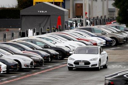 Un Tesla Model S. Foto: REUTERS/Stephen Lam