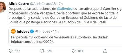 Tuit de Alicia Castro cuestionando al canciller Felipe Solá por su posición sobre Venezuela