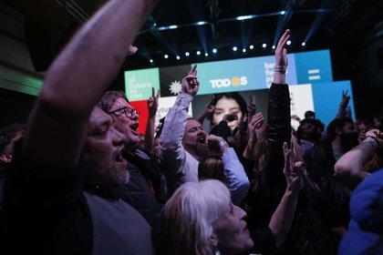 El festejo en búnker del peronismo comenzó cerca de las 22(AP Photo/Sebastian Pani)