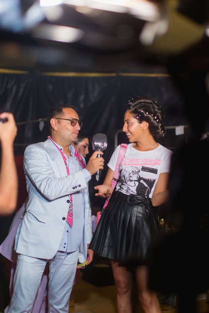 El asesor de moda Fabián Medina Flores junto a Alexia Toumikian
