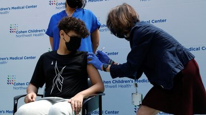 Miami comenzó a vacunar adolescentes de entre 12 y 15 años contra el COVID-19 tras la autorización de los CDC