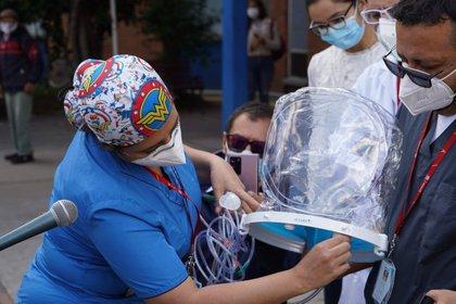 Cascos respiratorios para enfermos de coronavirus. Foto: Secretaría Distrital de Salud.