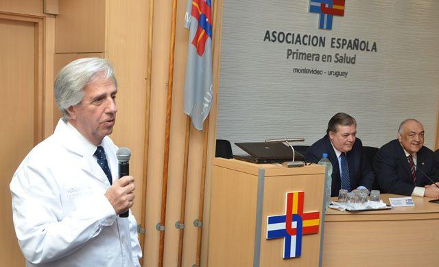 Vázquez en la mutualista Asociación Española, donde fue por muchos años jefe de oncología
