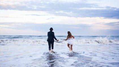 Los novios sellaron su amor en el mar