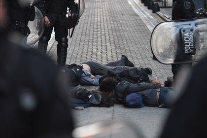 Uno de los periodistas atacados debió recibir cuatro puntos de sutura en la cabeza