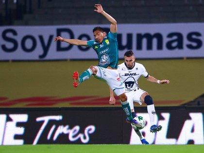León se convirtió en dueño del balón, mientras los Pumas aguantaron los ataques para salir en un contraataque (Foto: Twitter / @PumasMX)