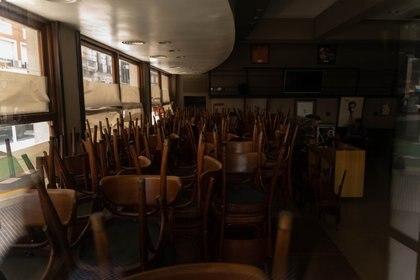 El Café La Paz fue fundado en 1944. Cerró sus puertas en marzo por la cuarentena y en medio de la crisis, cerraron definitivamente, después de 77 años de historia. (Foto: Franco Fafasuli)