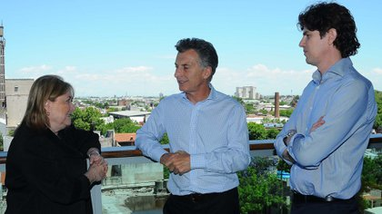 El Presidente Mauricio Macri, junto a la canciller Susana Malcorra y al embajador en Washington, Martín Lousteau<br> Prensa Cambiemos 162