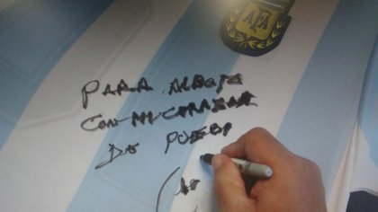 El autógrafo de Maradona para Alberto
