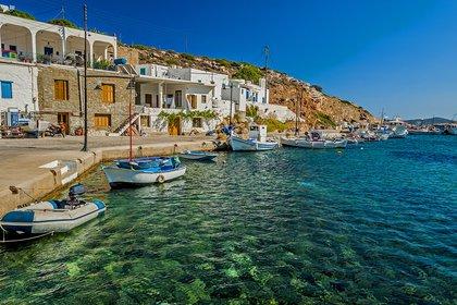 En Sifnos los pequeños puertos son un escenario típico (Shutterstock)