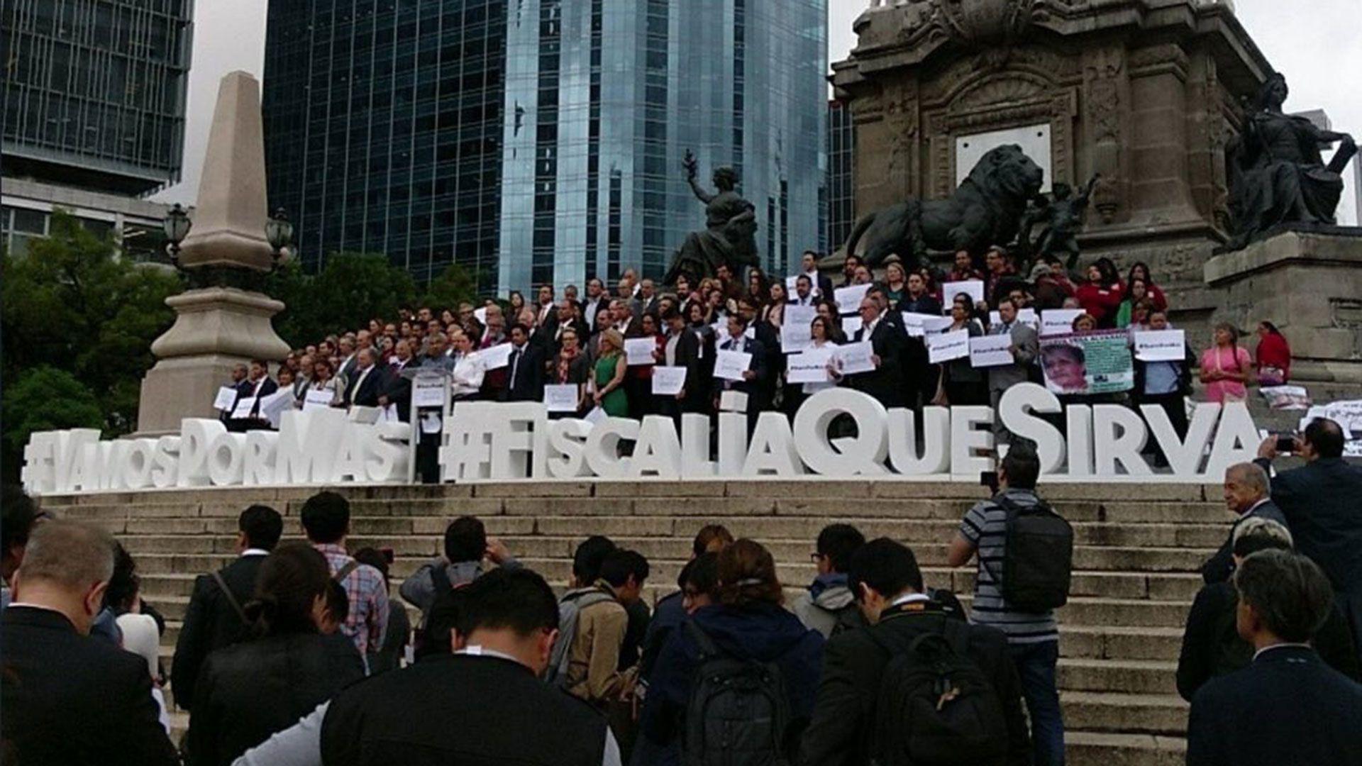 Organizaciones de la sociedad civil se han manifestado para impulsar la reforma de la PGR a fiscalía.