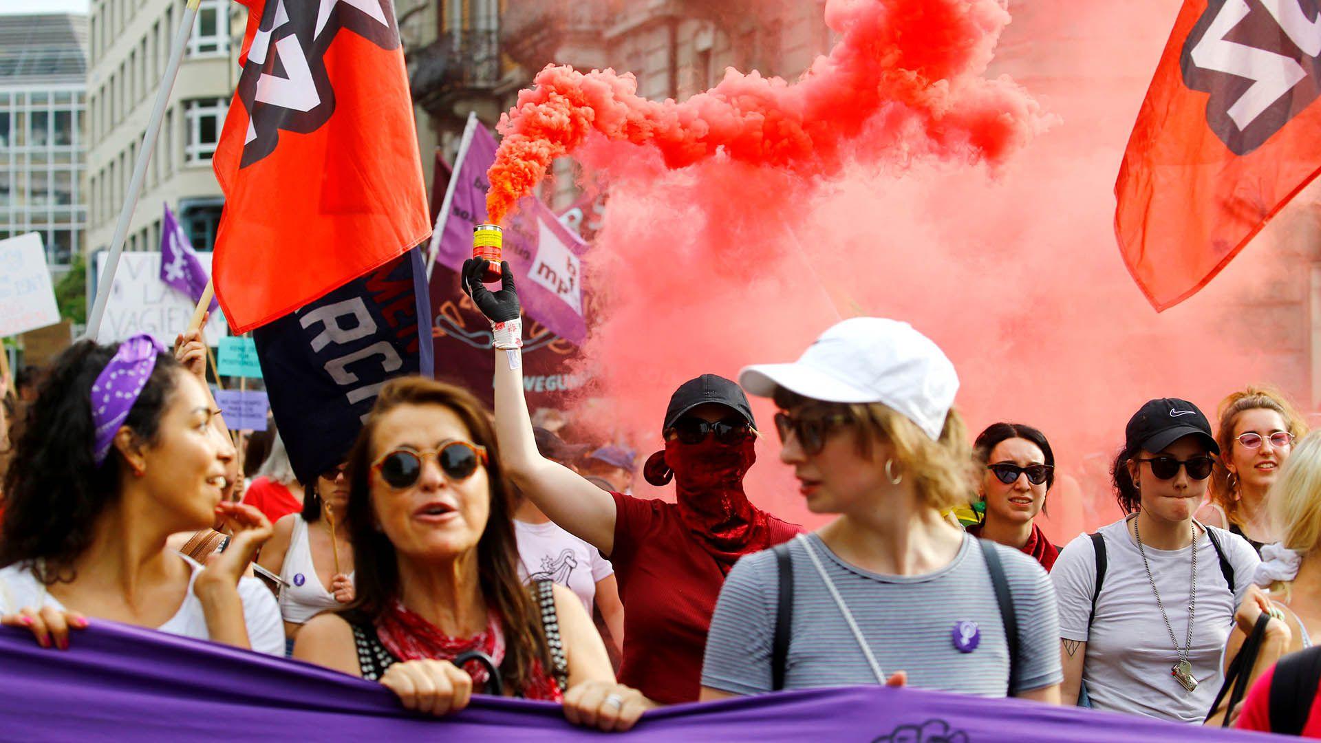 Masiva manifestación de mujeres en Zúrich, Suiza (REUTERS/Arnd Wiegmann)