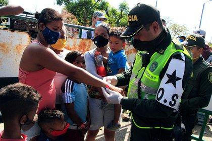 El control a los venezolanos que emprendieron el retorno a su país (EFE)