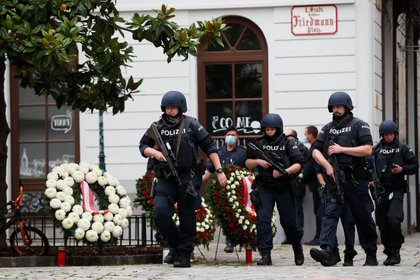 En las calles de la ciudad hay fuerte presencia policial (REUTERS/Leonhard Foeger)