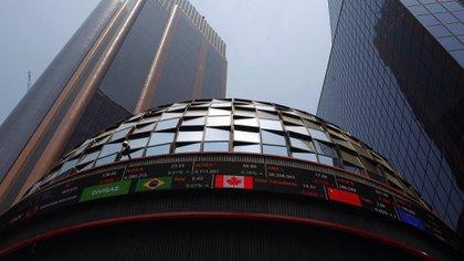 La Bolsa Mexicana de Valores también registró pérdidas (Foto: EFE)