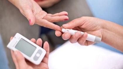 La diabetes gestacional suele afectar a la madre en el último trimestre del embarazo (Getty Images)