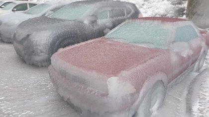 La tormenta provocó serias afectaciones a automóviles, carreteras e incluso hospitales. (Foto: Twitter@WeatherSarov1)