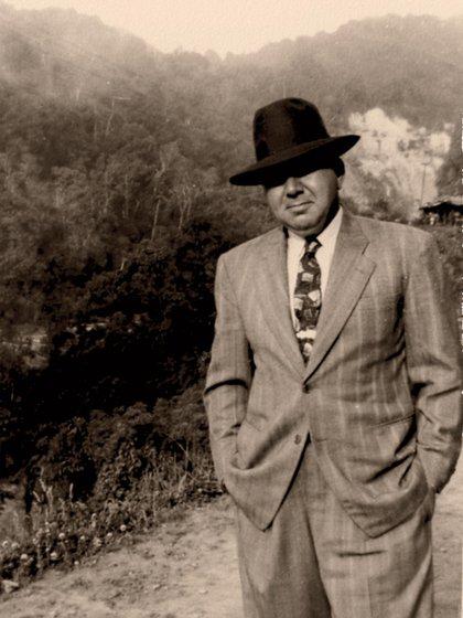 Eduardo Halfon, abuelo del autor