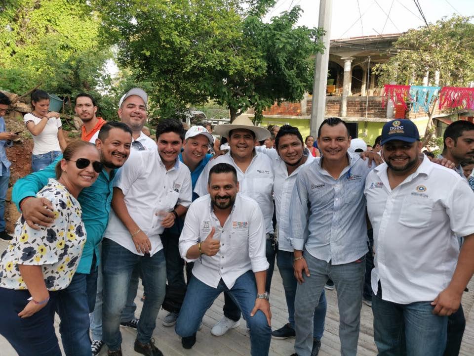 Actualmente Nava López trabajaba parta el Ayuntamiento de Zihuatanejo, Guerrero (Foto: Facebook Edgar Nava)