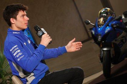 El campe�n del mundo de MotoGP, Joan Mir, atiende a los medios de comunicaci�n en una rueda de empresa organizada por Estrella Galicia 0,0, este mi�rcoles en Madrid. EFE/ Zipi