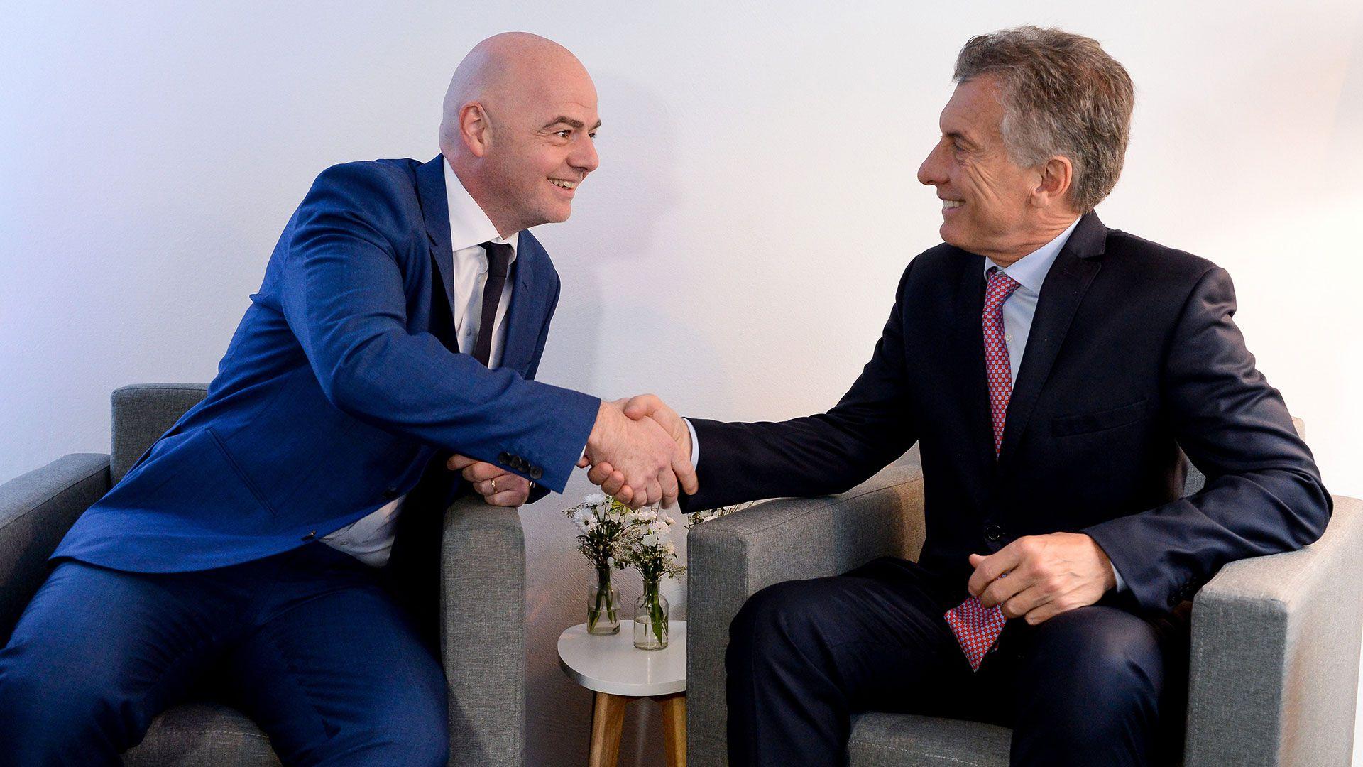 """Mauricio Macri viajará a Zurich para encontrarse con Gianni Infantino y recibir por parte de la FIFA el premio """"Living Football"""""""