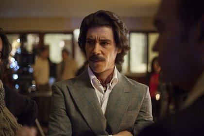 En la serie de Luis Miguel, Óscar Jaenada interpreta a Luisito Rey, el padre del cantante