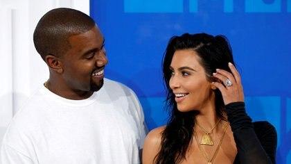 Kim Kardashian y Kanye West en los MTV Video Music Awards 2016 en Nueva York (Reuters)