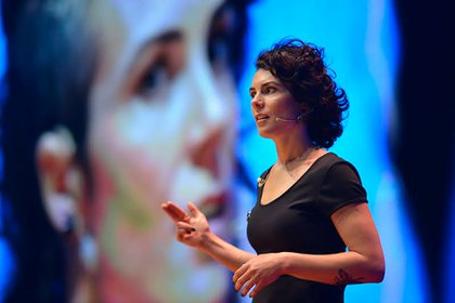 Flavia Broffoni durante su charla TEDx Rio de la Plata, en octubre del 2019. Foto: Renata Sanz Fuganti.