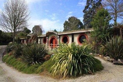 The Hobbit Motel (Parque Woodlyn, Nueva Zelanda). Como su nombre lo indica, está inspirado en las casas de los hobbits, personajes centrales del universo creativo de J.R.R. Tolkien