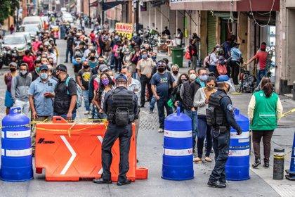 López-Gatell dijo que, a pesar de que el número de casos sigue incrementando, la velocidad en que lo hace es menor que en semanas pasadas (Foto: Europa Press)