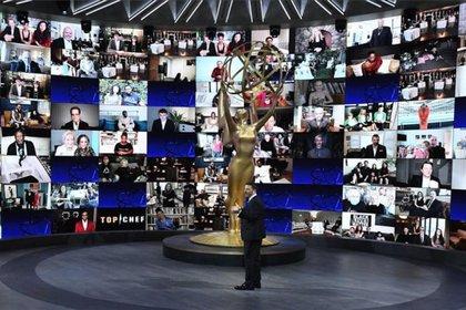 A través de múltiples pantallas, los nominados hicieron acto de presencia desde sus casas (Foto: Archivo)