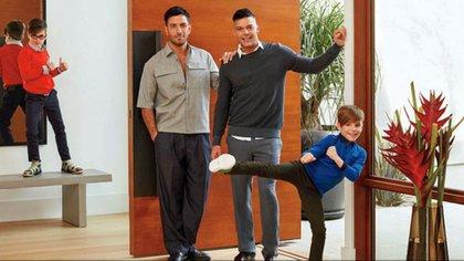 Ricky Martin con su esposo y sus hijos mayores, Matteo y Valentino (Foto: archivo)