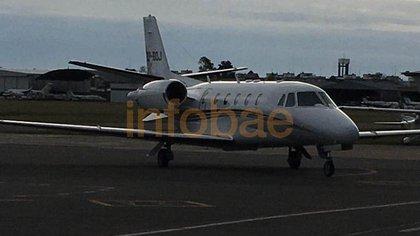 Este es el avión privado en el que viajó el ex Presidente