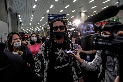 Ronaldinho Gaucho llegó a el 25 de agosto a Río de Janeiro, tras su detención en Paraguay (EFE)