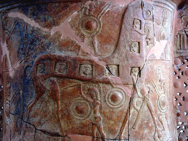 La vajilla encontrada en Mykonos, del 670 a. C.