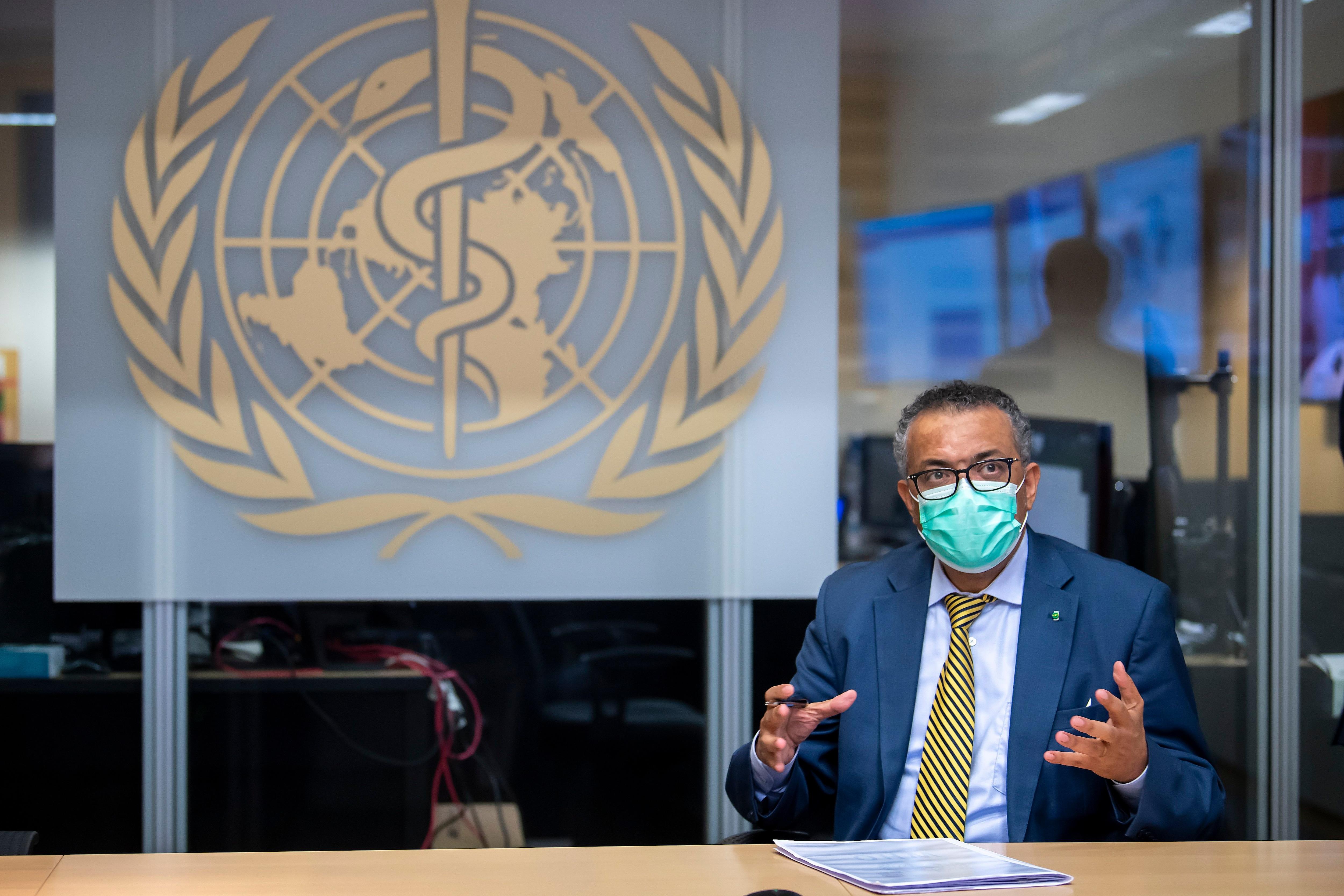Tedros Adhanom Ghebreyesus, director de la OMS, advirtió ante el Consejo Europeo sobre el peligro de que el 75% de las vacunas se concentran en sólo 10 países. (EFE/EPA/MARTIAL TREZZINI)