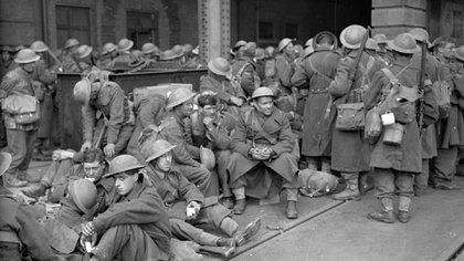 Soldados que llegan a Dover tras ser evacuados de Dunkerque. 31 de mayo de 1940.