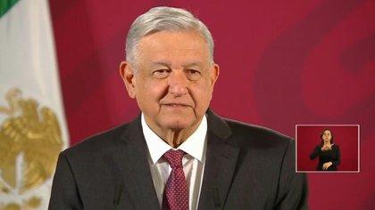 López Obrador dijo que a México se le había pedido un recorte inicial de 400,000 bpd, o el 23% de su producción actual, y que luego fue reducido a 350,000 bpd.