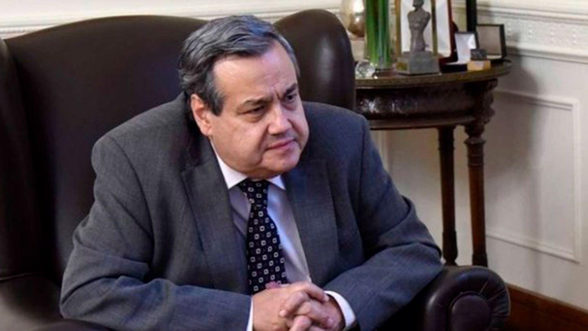El diplomático chileno tenía 65 años