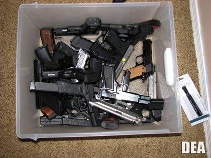 Armamento decomisado a miembros del Cártel de Sinaloa (Foto: DEA/CUARTOSCURO)