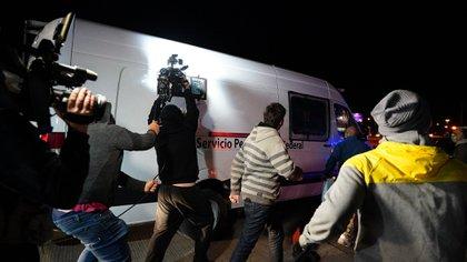 La camioneta en la que intentó ingresar el empresario de Santa Cruz. Los vecinos se sentaron adelante y no lo dejaron pasar