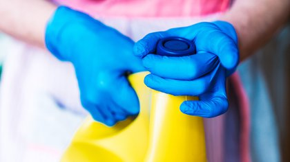 La aparición del covid-19 en la Argentina, en marzo 2020, hizo que los consumidores se volcaran más intensamente que lo habitual a la compra de productos de limpieza del hogar y para la higiene personal