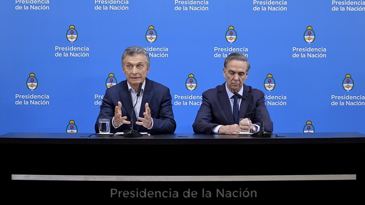 Mauricio Macri junto a Miguel Ángel Pichetto