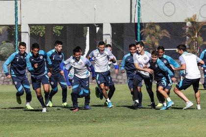 El club afirmó que ningún jugador ni miembro del cuerpo técnico están contagiados (Foto: Instagram/cruzazulfc)